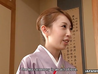 Lady Yui getting a nice hot..