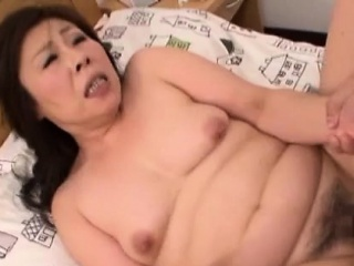 Handsome mature chick gets..