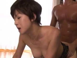 Lovely older babe gives sexy..