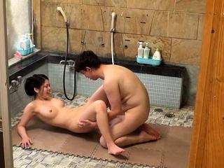 Wild alfresco japanese teen..