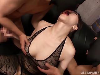 Attracting Asian milf Anri..