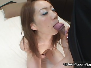 Gorgeous Japanese Teen Gets..